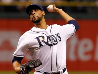 Pitcher David Price #14 of the Tampa Bay Rays pitches_20110401213824_JPG