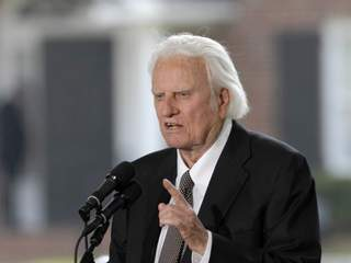 Billy Graham turns 93_20111106103122_JPG