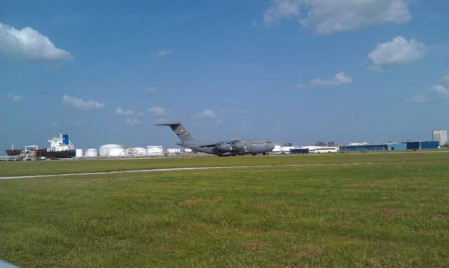 C17_at_Peter_O_Knight_airport_01_20120720174751_JPG