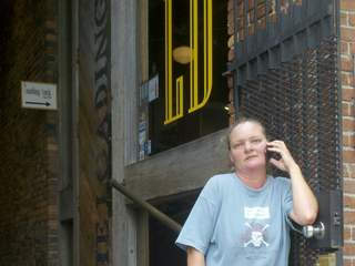 Karen_Warren_Loading_Dock_owner_640x480_20120829170002_JPG