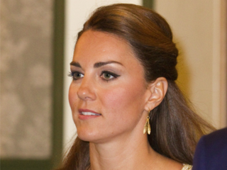kate_middleton_20120914080239_PNG