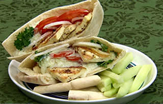 Tofu greek pita