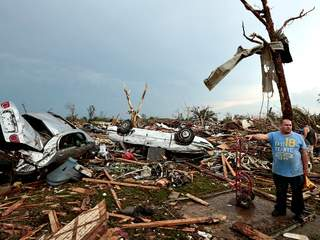 WFTS-Getty_-_Moore_Oklahoma_tornado_damage_-_640x480_20130521091449_JPG