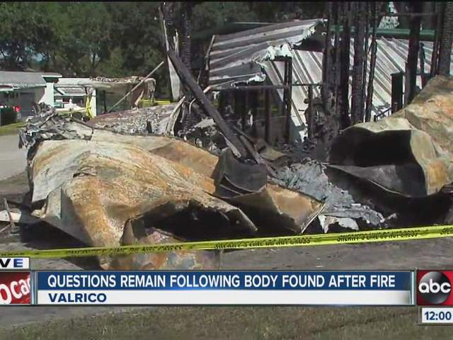 Body Found In Burned Out Mobile Home Valrico Man Wandering Area With Hammer