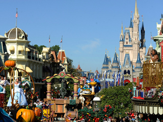 Disney resort guests to be charged for parking
