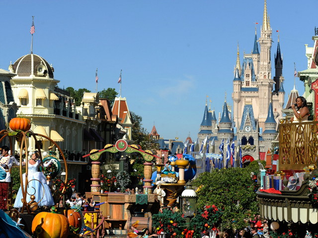 Walt Disney World hotel guests to pay new parking fees