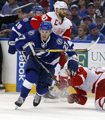 Lightning vs Red Wings, Game 1