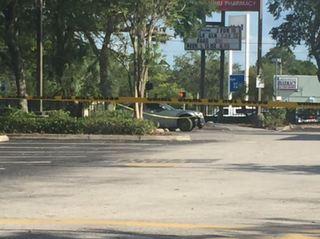 Driver abandons car after fatal St. Pete crash