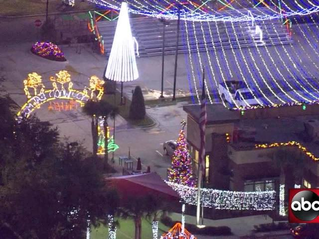 Tampa Chick-fil-A lights up the night with incredible Christmas light display