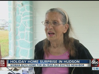 Neighbors help woman after eviction