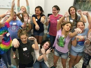 Free mentoring program for teen girls