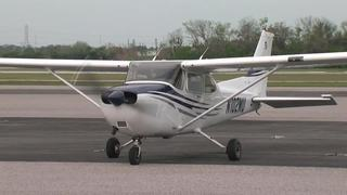 Tampa man wins contest to become airline pilot