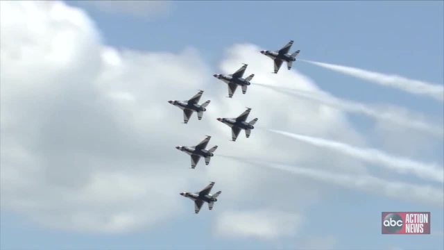 Thunderbirds- Blue Angels perform together for first time in years