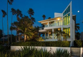 Dream Home: Modern mansion on Pass-A-Grille Beac