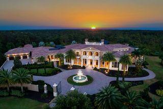 Dream Home: Furnished Italianate estate