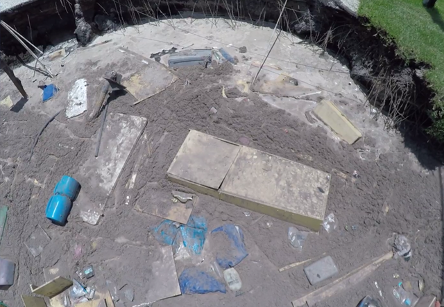 Florida sinkhole stops expanding after swallowing homes