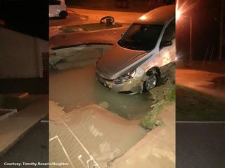 Car falls into hole in Hernando County
