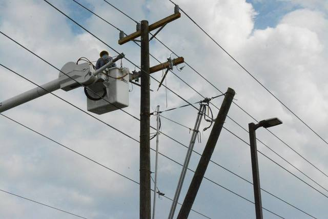 Duke 'on course' for full restoration of power tonight after Irma