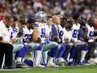 Jerry Jones, Cowboys kneel before anthem