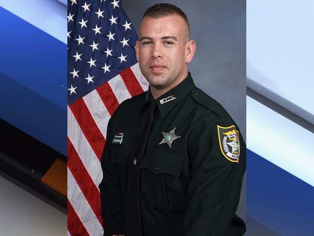Manatee deputy killed in vehicle crash