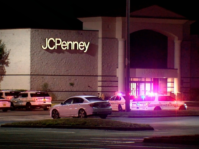 People at Polk County mall evacuated after explosive device detonates