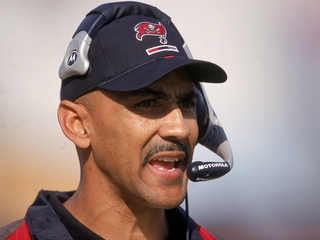 Tony Dungy to enter Bucs Ring of Honor