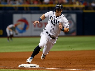 Rays trade All-Star Corey Dickerson to Pirates