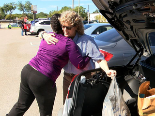 Family Hands Out 89 Thanksgiving Dinners