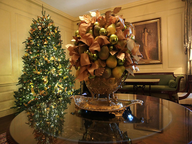 washington dc november 27 the vermeil room at the white house during a press preview of the 2017 holiday decorations november 27 2017 in washington