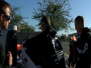 Tampa friends pass out sweatshirts to homeless