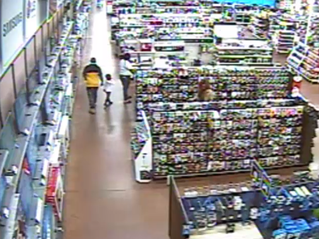Police 3 People With Small Child Steal More Than 1 000 From Walmart Wfts Tv