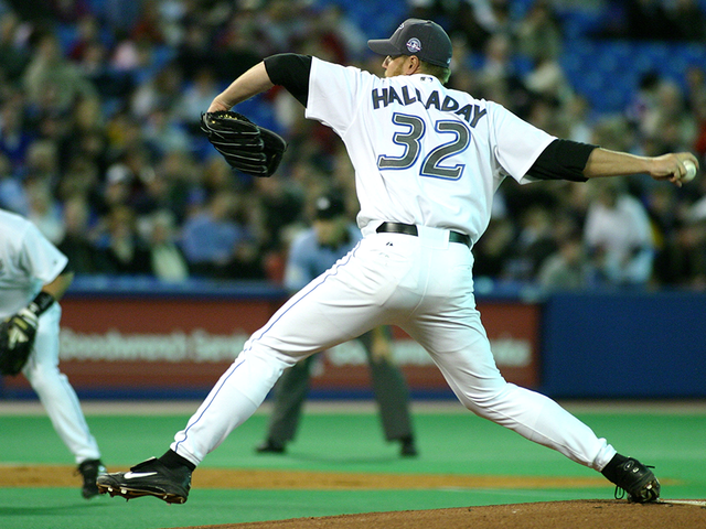 Halladay's No. 32 will be retired by Blue Jays