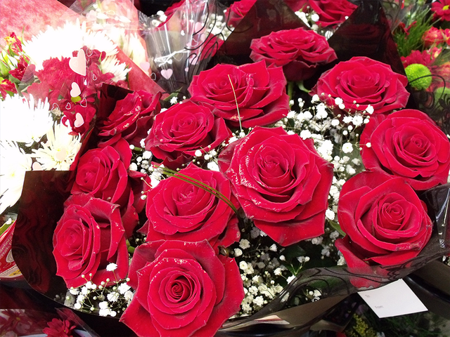 valentine s day gifts you can get today for 25 and under
