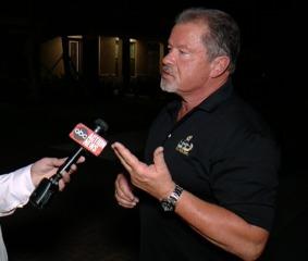 Veteran officer defends Stoneman Douglas SRO