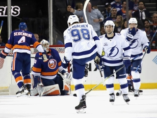 Bolts set team record in 7-6 win over Islanders