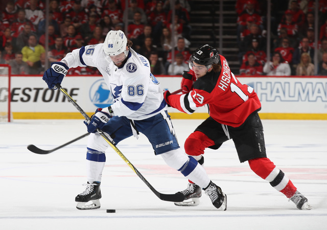Vasilevskiy, Lightning hold off Devils for 3-1 series lead
