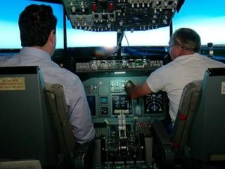 Flight simulator mimics Southwest landing