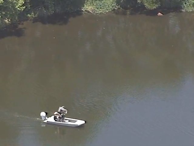 Body found after witness reports seeing teenager sinking in Orlando pond