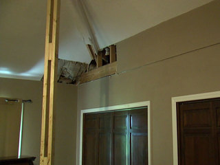 Contractor leaves homeowners in danger