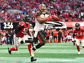 Ball doesn't bounce Bucs' way in 34-29 loss