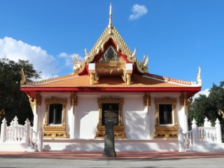 Grab Sunday brunch at a Buddhist temple in Tampa
