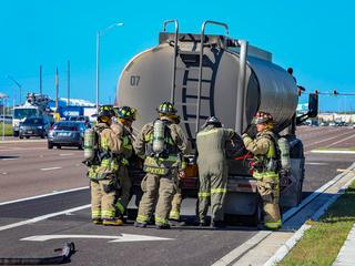 Leaking fuel tanker shuts down SR-54 in Pasco