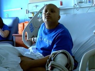 Kid with cancer finds fame as hospital prankster