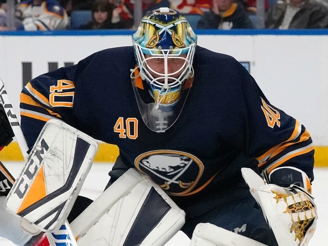 carter hutton makes 29 saves in buffalo sabres 2 1 win over tampa