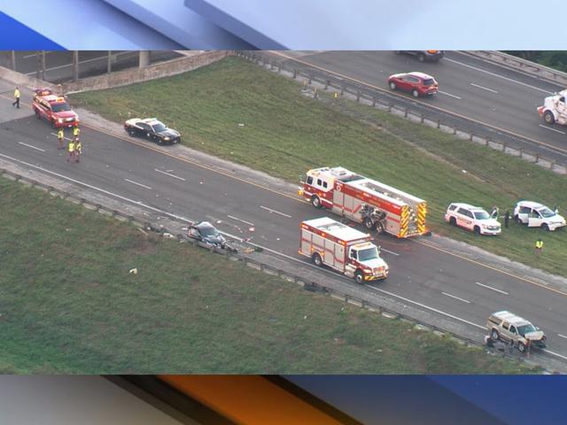 Crash kills 2 in Sarasota, NB I-75 shut down