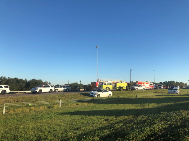 Crash kills 2 in Sarasota, NB I-75 shut down